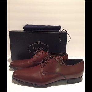 Prada Men's oxford dress shoes lace up brown 11